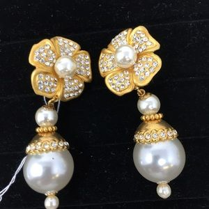 Large Pearls Earrings